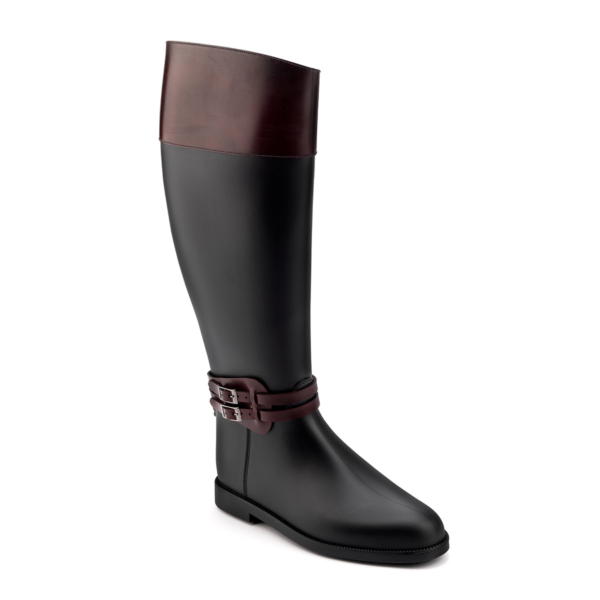 Riding boot with upper band and double strap