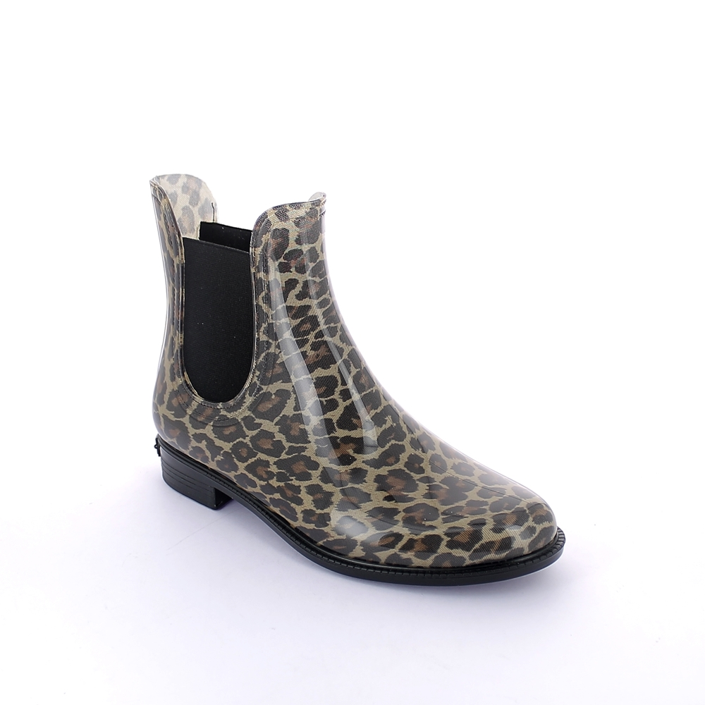 Chelsea boot with leopard fantasy inner sock
