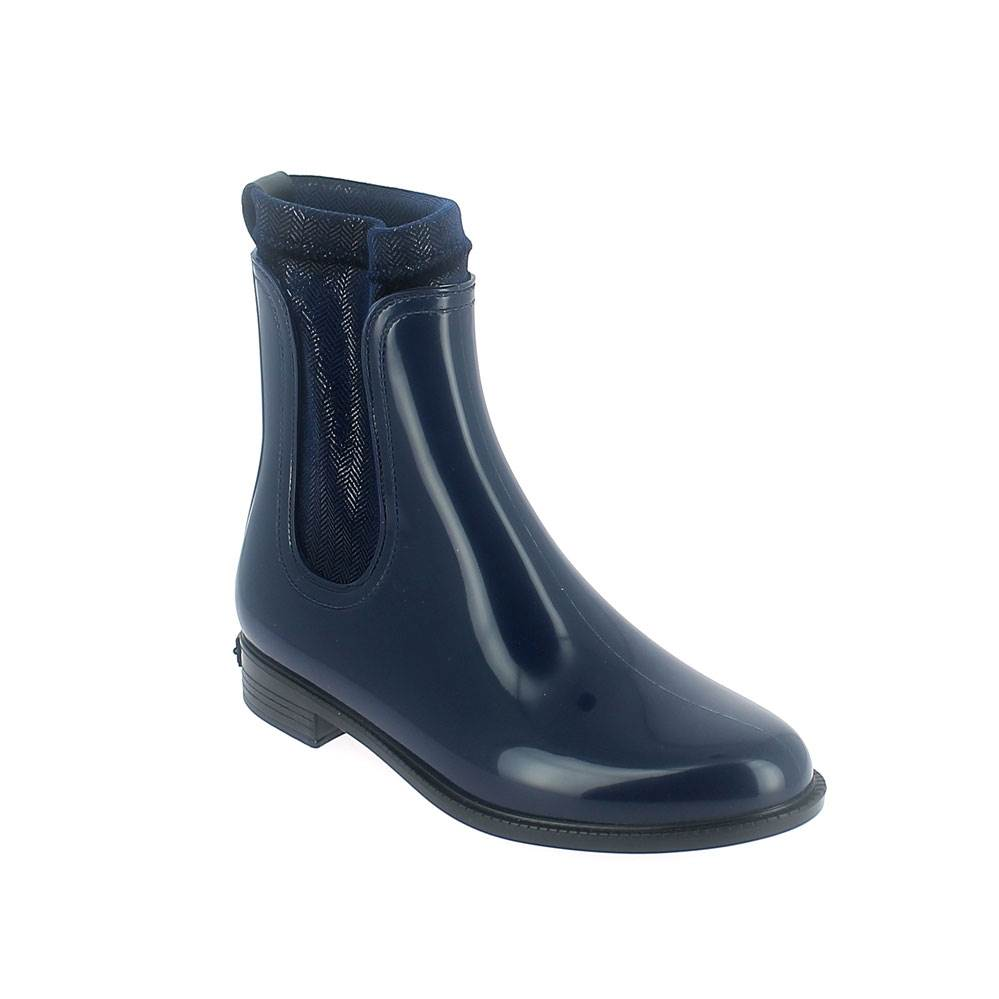 Chelsea boot in blue pvc with stretch twill velvet lining