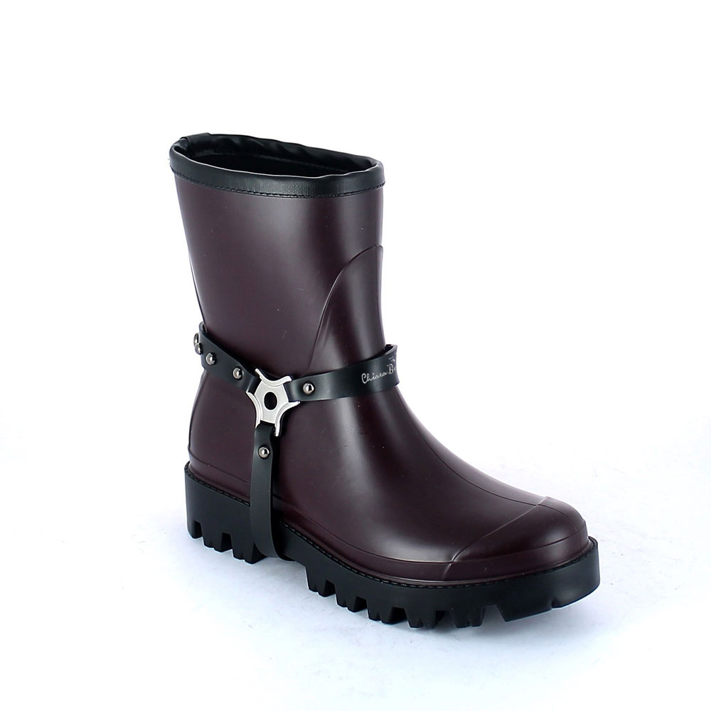 Wellington low boot in Sanguinaccio pvc with studded stirrup. New 3D logo.
