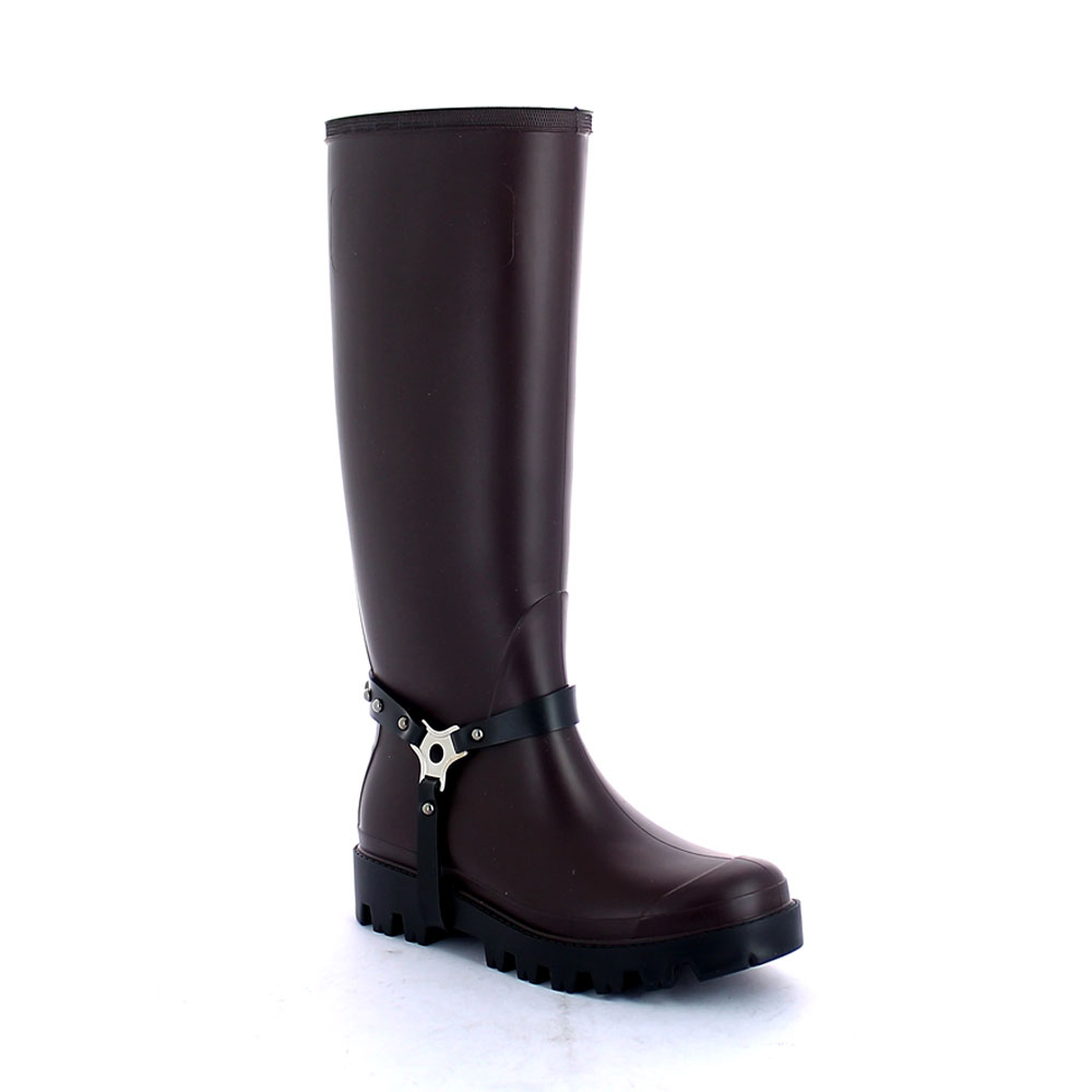 Wellington boot in Sanguinaccio pvc with studded stirrup