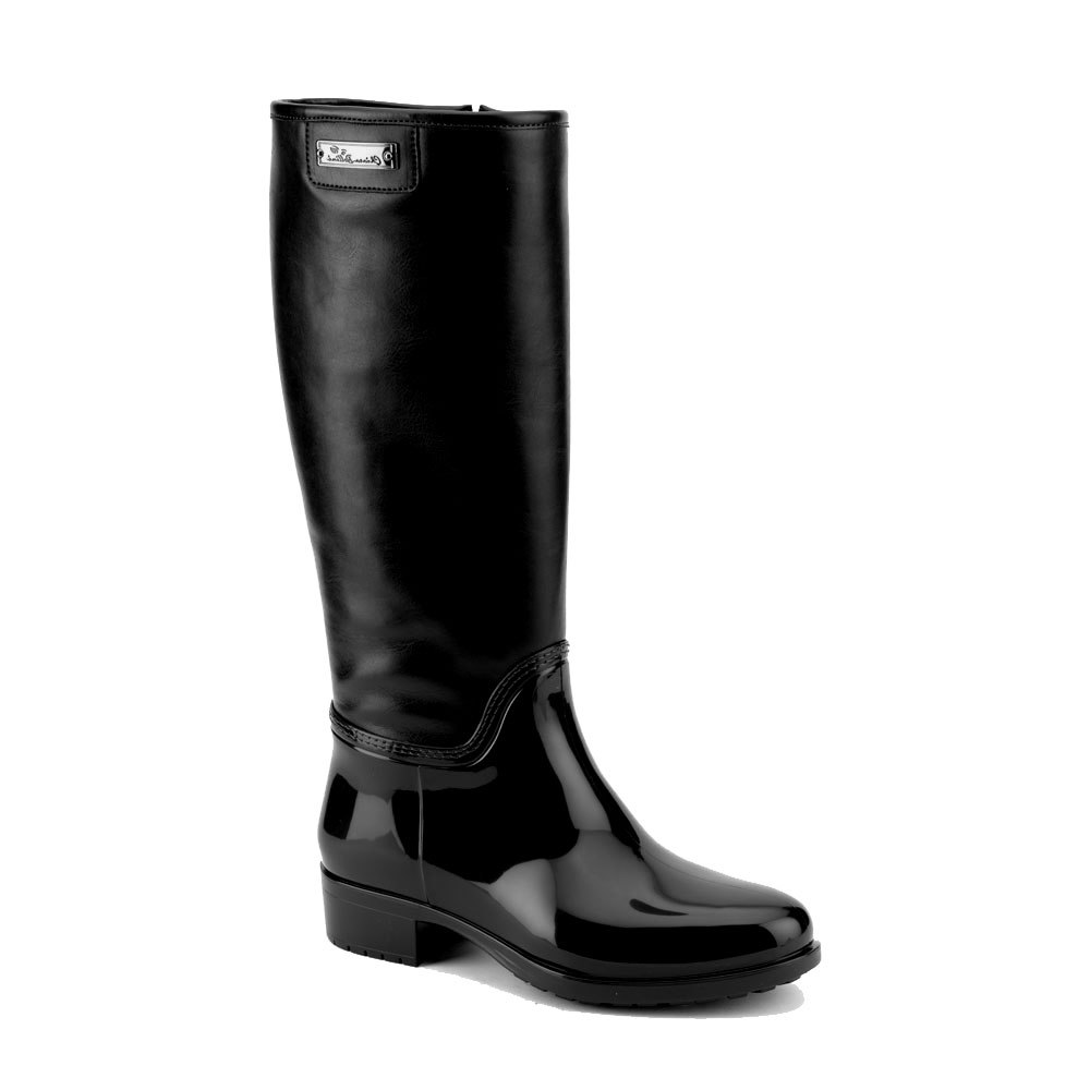 Boot with leatherette high leg