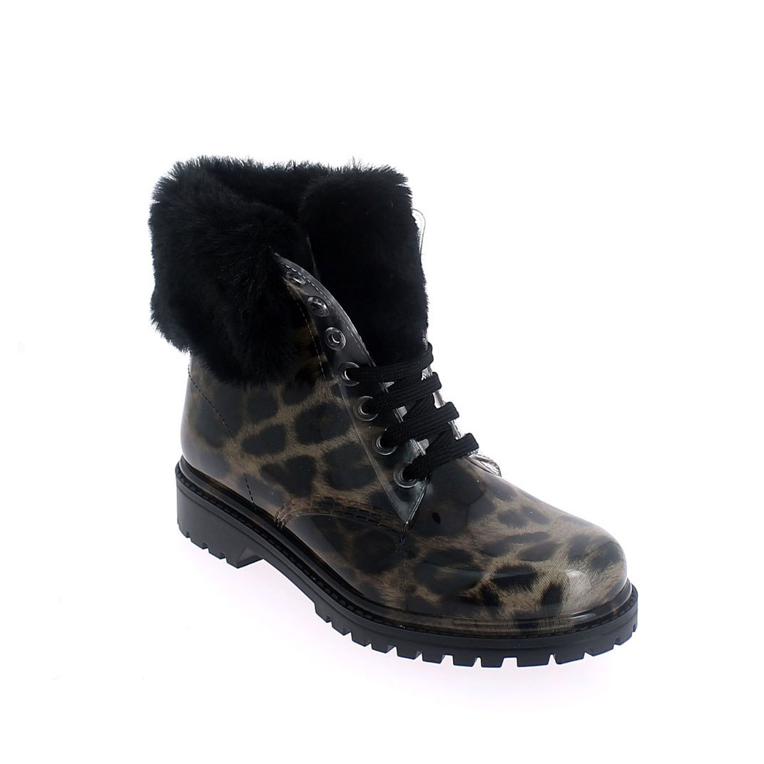 Short laced up lined boot with faux fur cuffs