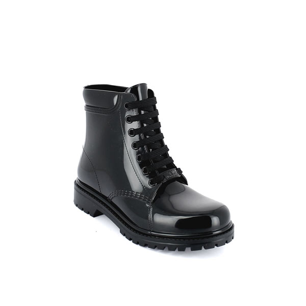Short laced up boot in black solid colour pvc