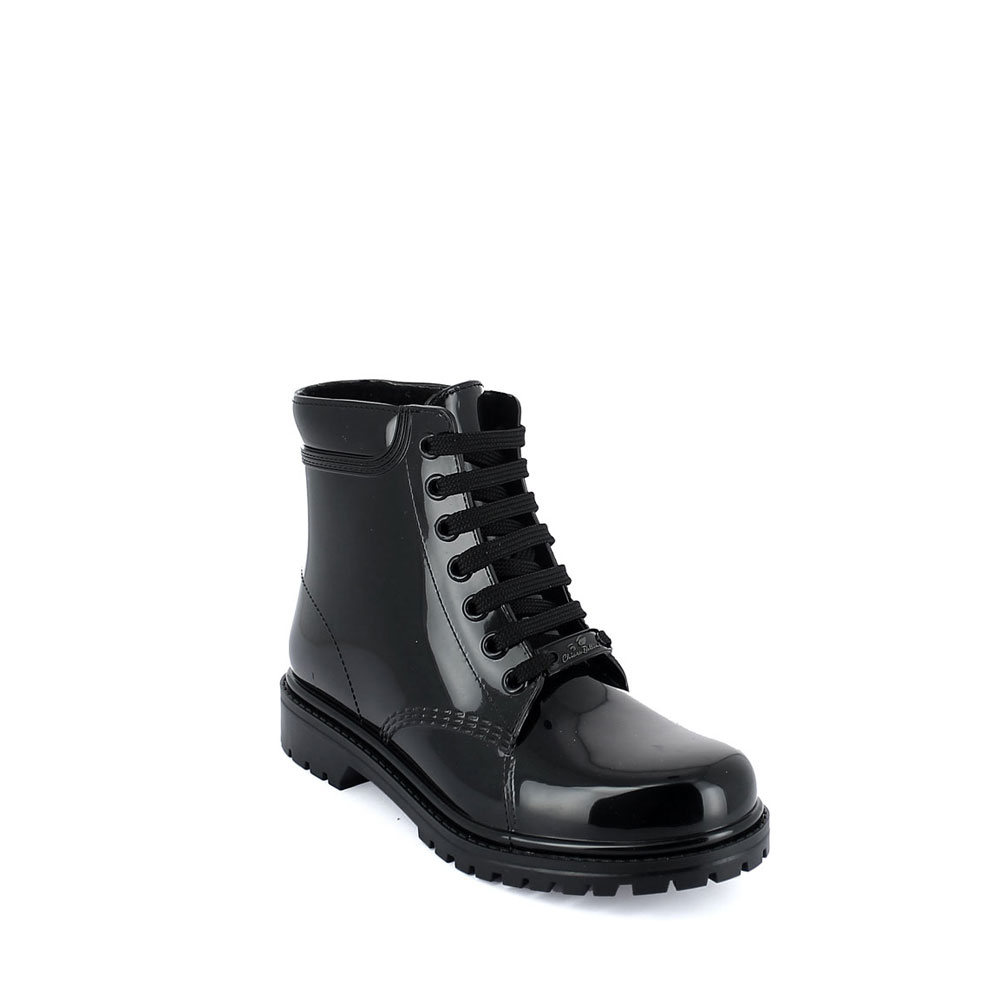 Classic Short laced up boot in Black pvc with lining