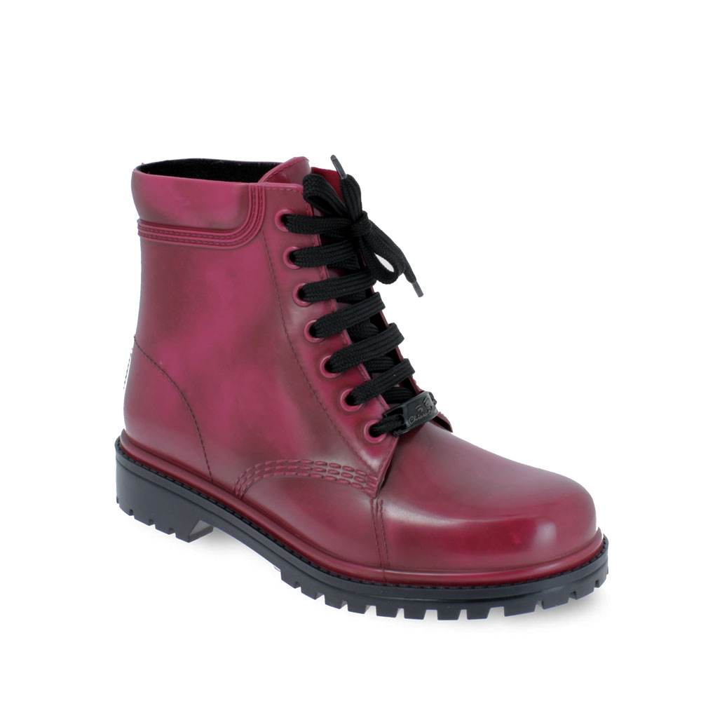 Short laced up boot in brushed PVC