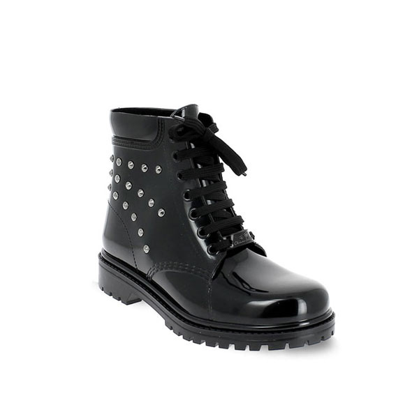 Short laced up boot in PVC with studs