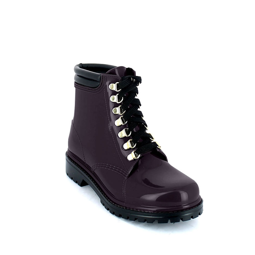 Short laced up walking boot in Bordeaux pvc with leatherette padded trim