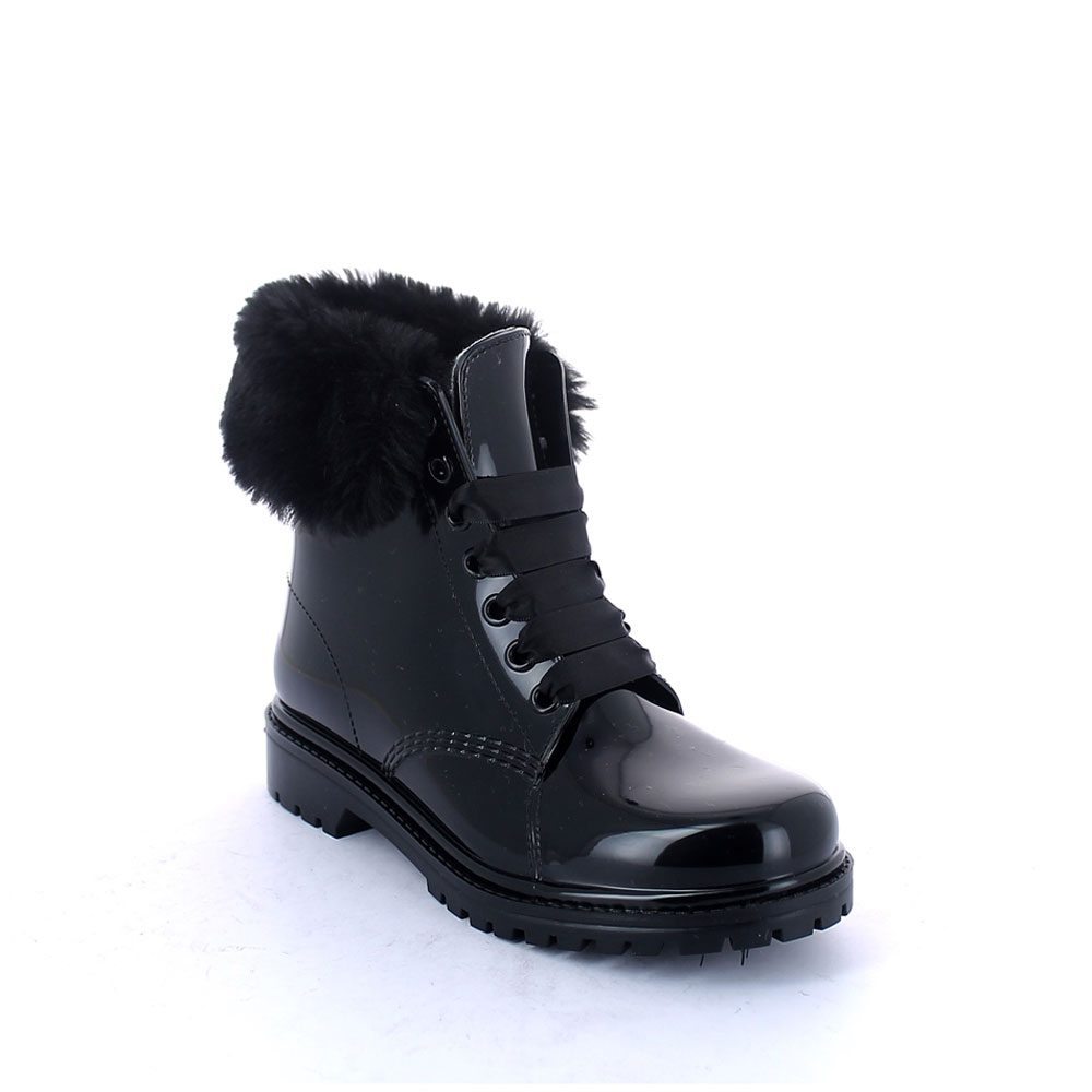 Short laced up boot in Black pvc with faux fur collar and felt inner lining