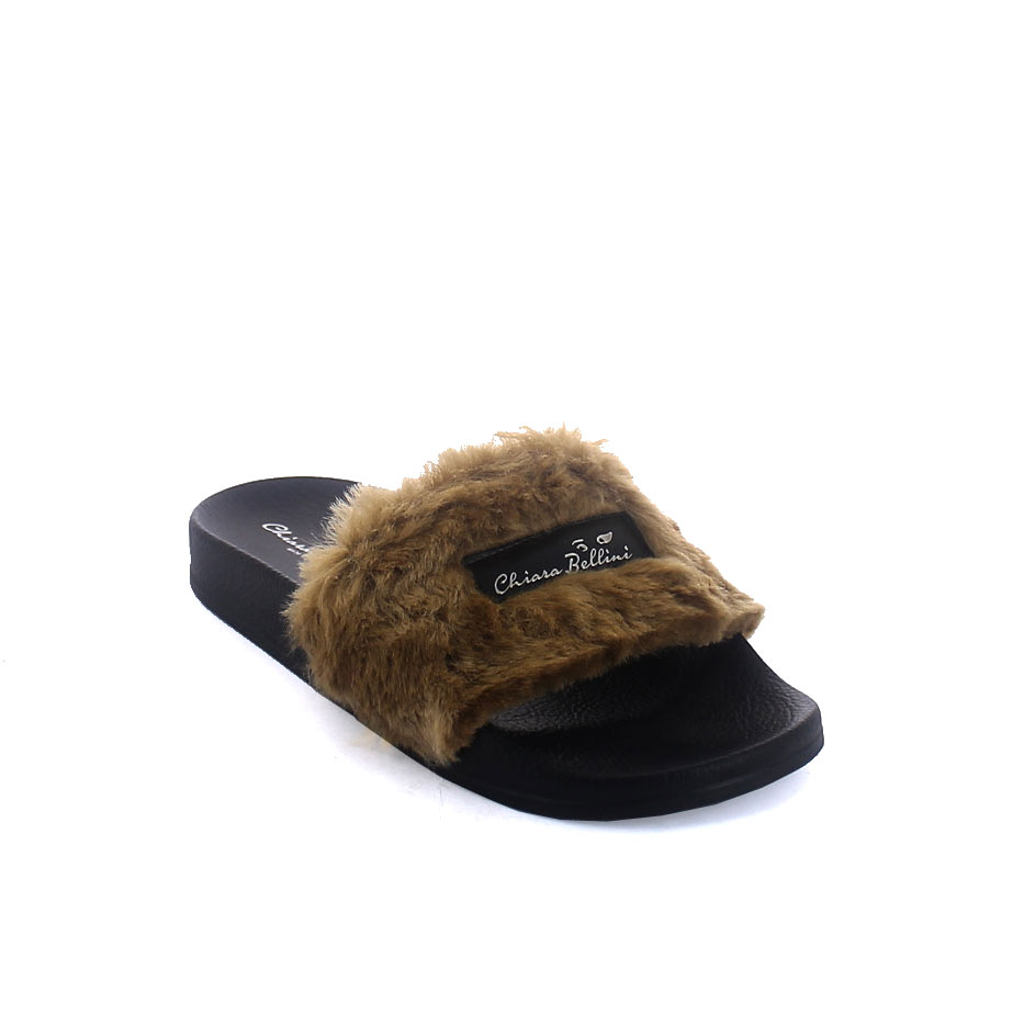 Mule with faux fur band upper and 3D logo
