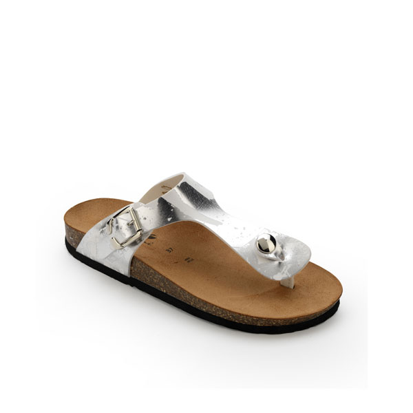 Laminated thong sandals with cork sole