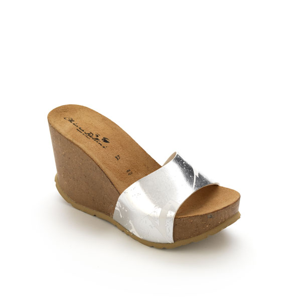 High wedge heel in cork with laminated PVC strip