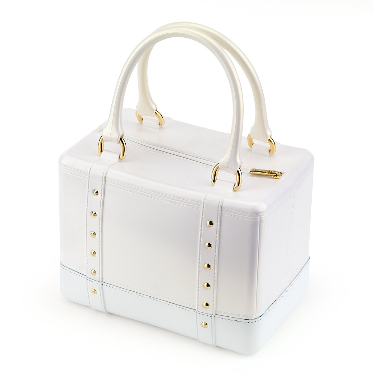 Il bauletto in Pvc Chiara Bellini nel blog Little Fairy Fashion! Borsa a bauletto in Pvc con borchie oro