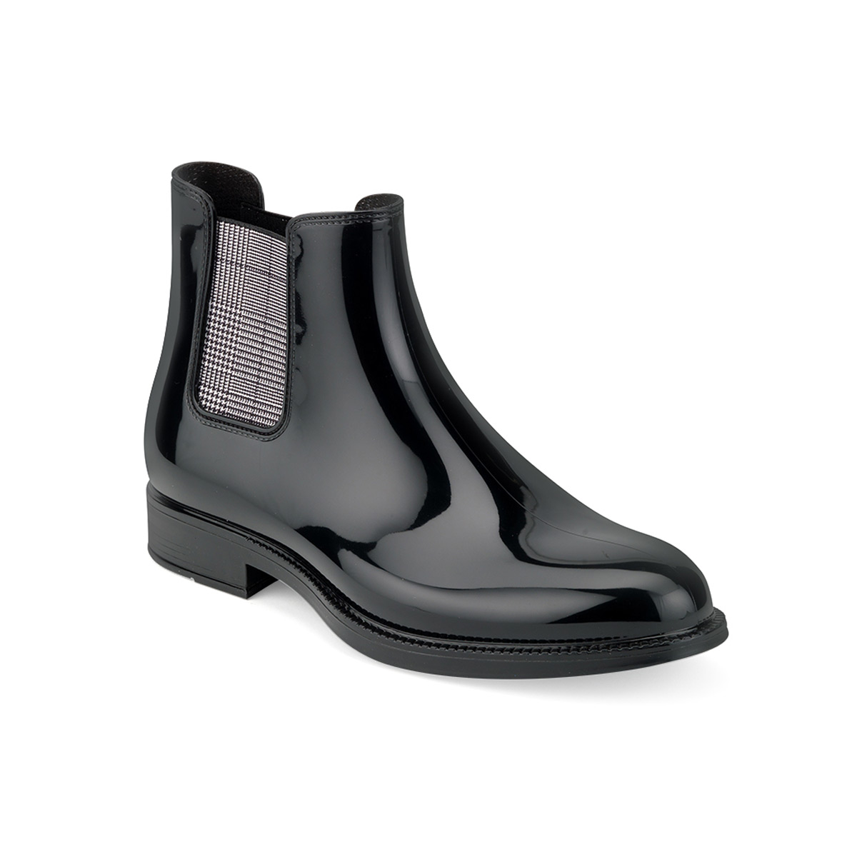 chelsea rain boot in bright PVC and in a solid colour